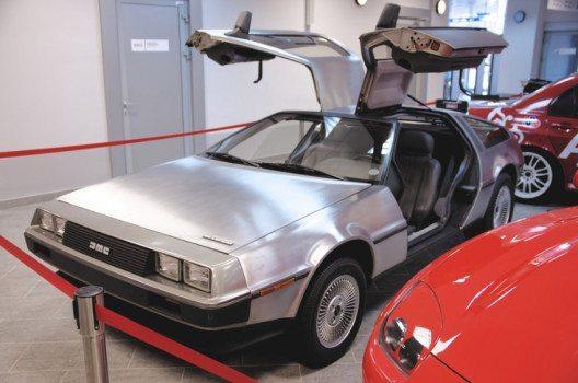 DeLorean DMC-12 im Automuseum von Sochi, Russland. (Bild: © g0d4ather – shutterstock.com)