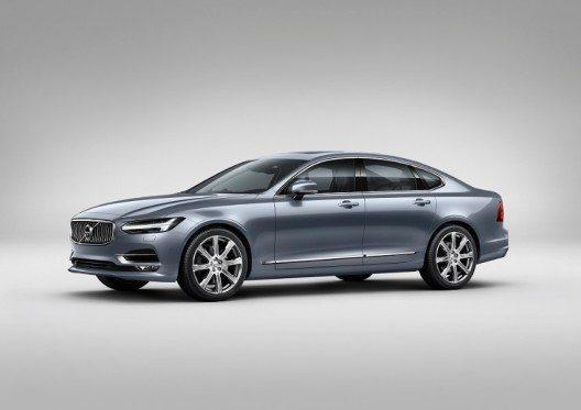 Mit dem Volvo S90 präsentiert Volvo im Segment der Luxus-Limousinen der oberen Mittelklasse ein neues, unverwechselbares Highlight.