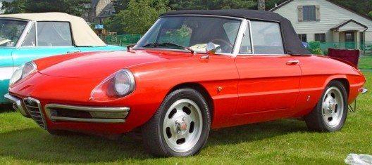 Der Alfa Romeo Spider wurde im Jahr 1966 auf den Markt gebracht. (Bild: © John Filiss, Wikimedia, CC BY-SA 3.0)