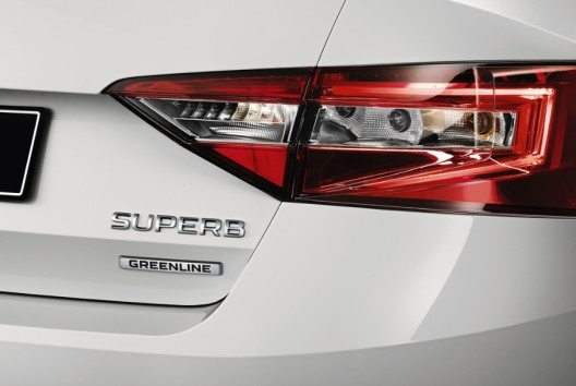 Superb GreenLine: verbrauchs- und emissionsarmes Topmodell mit umfangreicher Ausstattung. (Bild: Skoda Auto)