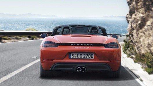 Bis zu 13 Prozent weniger Kraftstoff verbrauchen die neuen 718 Boxster Modelle.