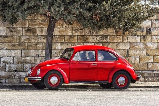 Der VW Käfer ist im deutschsprachigen Raum der beliebteste Oldtimer. (Bild: © Victoria Shapiro - shutterstock.com)