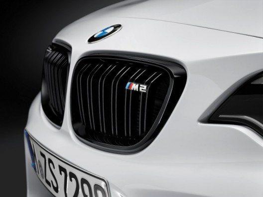 Das extrovertierte Design des BMW M2 Coupé hebt den hochdynamischen Charakter und die herausragende Rennstreckentauglichkeit hervor.