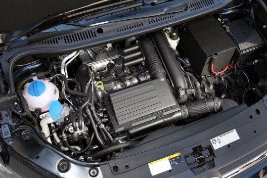 Blick in den Motorraum des Caddy TGI BlueMotion: 1,4 Liter Hubraum schöpfen aus 81 kW/110 PS Leistung ein maximales Drehmoment von 200 Nm.