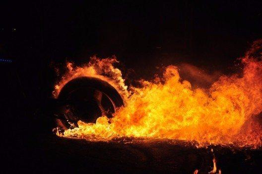 Brennende Reifen auf der SWISS-MOTO 2016