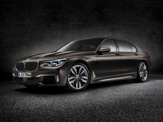 Der neue BMW M760Li xDrive feiert auf dem diesjährigen Internationalen Automobil-Salon in Genf vom 3. bis 13. März 2016 seine Weltpremiere.