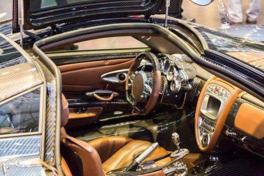 Der Automobil-Salon in Genf ist das internationale Schaufenster der Autobranche. (Bild: © Jia Li - shutterstock.com)
