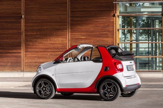 Smart fortwo cabrio, passion, white / jupiter red.
