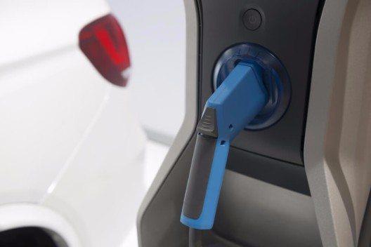 In der Schweiz gibt es verschiedene Förderungsmodelle, mit denen sich der Kauf eines Elektrofahrzeugs günstiger gestalten lässt. (Bild: © Misunseo - shutterstock.com)