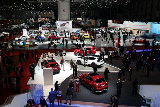 Genfer Auto-Salon 2016 (Bild: Norbert Aepli, Switzerland, Wikimedia, CC)
