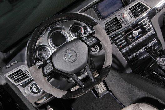 Auch dem Innenraum spendiert MEC Design des E-Cabrios einige neue Akzente. (Bild: MEC Design GmbH)