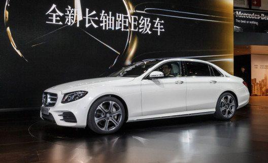 Weltpremiere der neuen E-Klasse Langversion auf der Auto China in Peking. (Bild: Mercedes / die-autotester.com)