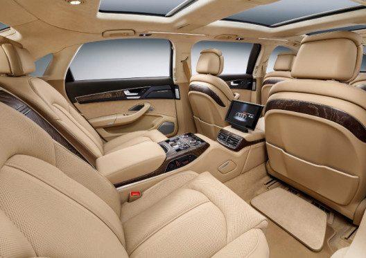 Der A8 L extended bietet den Passagieren auf insgesamt sechs Sitzen erstklassigen Komfort. (Bild: AMAG Automobil- und Motoren AG)