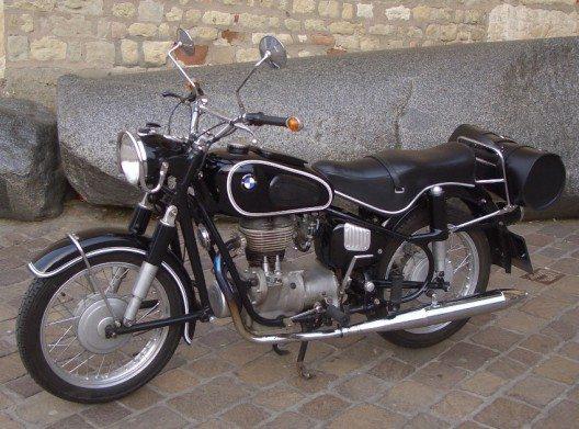 Als langjähriger Partner von Ötztal und Hochgurgl präsentiert sich auch BMW im Motorradmuseum. (Bild: © Palauenc05, Wikimedia, CC BY-SA 4.0)