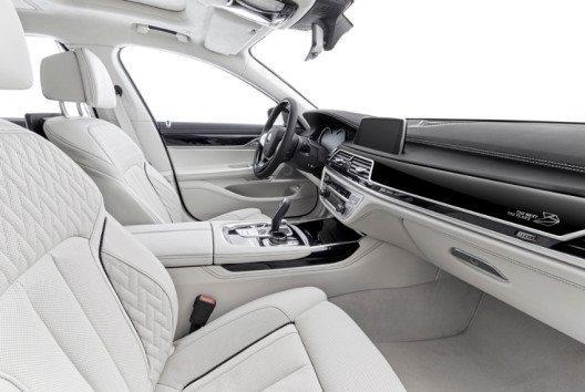 Die Neuauflage der Luxuslimousine beeindruckt durch ihr Design. (Bild: BMW Group)