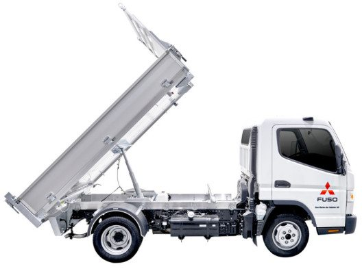 Der robuste Fuso Canter überzeugt durch zahlreiche Einsatzmöglichkeiten. (Bild: Mercedes-Benz Schweiz AG)
