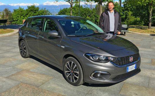 Lars Hönkhaus test den neuen Fiat Tipo 1,4 l Benziner in Turin. (Bild: die-autotester.com)