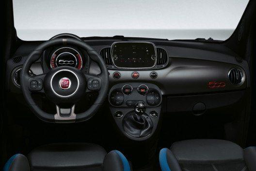 Serienmässig in die Armaturentafel des neuen Fiat 500S integriert ist das Entertainmentsystem Uconnect 7 Zoll HD LIVE. (Bild: Fiat Chrysler Automobiles)
