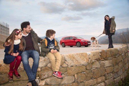 Opel Astra Familienauto (Bild: © GM Suisse SA)