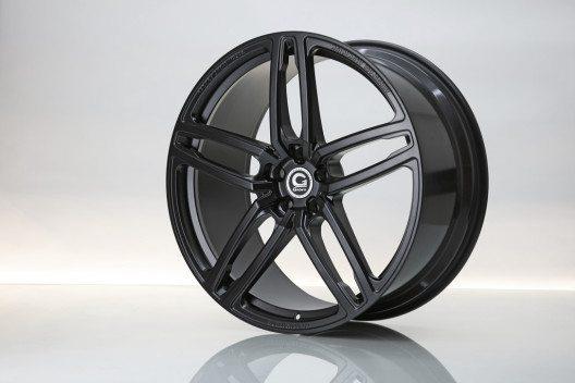 01_23_HURRICANE_RR_Jet_Black_schmiederad_forged_wheel_01