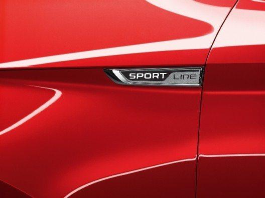 Erkennungsmerkmal: Der SUPERB SportLine trägt ein entsprechendes Emblem.