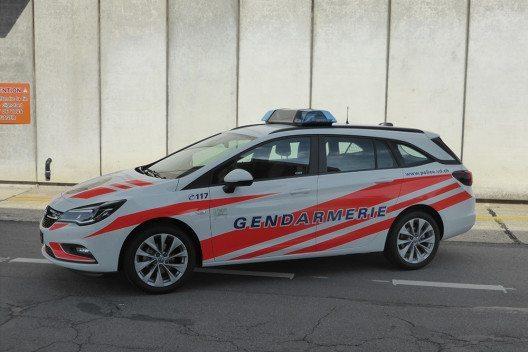Erster Opel Astra Sports Tourer als Polizeifahrzeug im Einsatz. (Bild: © General Motors Suisse)