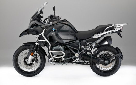 "BMW R 1200 GS Adventure ""Triple Black"" (Bild: BMW Group)"