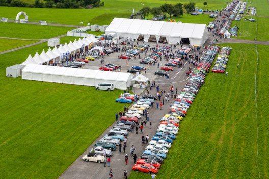 Siegerehrung der Porsche Classic Restauration Challenge beim Porsche Treffen Mollis (Bild: Porsche Schweiz)