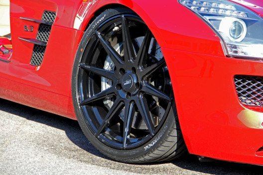 Die schwarzen E1-Einteiler des hauseigenen Felgenlabels Elegance Wheels. (Bild: RFK Tuning GmbH)