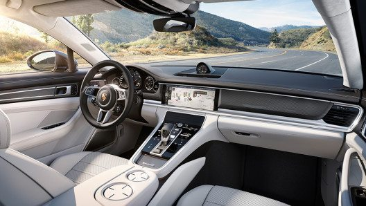 Das neue Porsche Advanced Cockpit im Panamera (Bild: © Porsche AG)