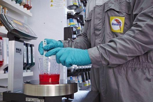 Das CPS ist ein System aus tausenden Farbmuster-Paspeln für die Uni- und die Metallic-Lackierung. (Bild: BASF Coatings Services)
