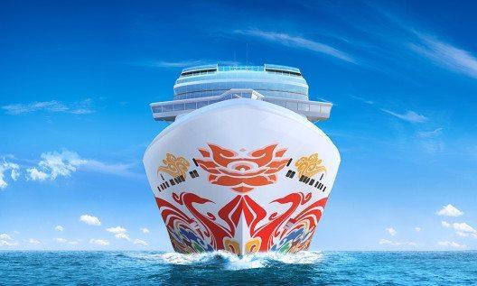 Mit der Rumpfbemalung der Norwegian Joy wurde ein chinesischer Künstler beauftragt. (Bild: © Norwegian Cruise Line)