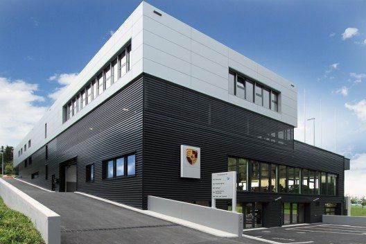 Porsche Zentrum Oberer Zürichsee - Aussenansicht (Bild: © Porsche Schweiz)