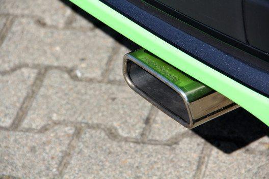 Der Klang, welcher aus einem trapezförmigen Auspuff-Endrohr entweicht, wurde verbessert. (Bild: VANSPORTS/ Heinz Hartmann GmbH)