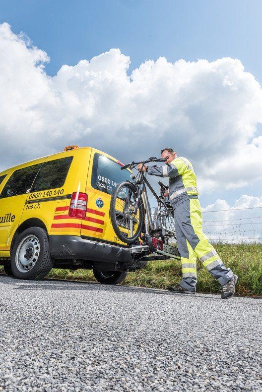 Die 24-Stunden-Pannenhilfe gibt es mit der TCS Bike Assistance jetzt auch für Velos und E-Bikes. (Bild: © obs/Touring Club Schweiz/Suisse/Svizzero – TCS)
