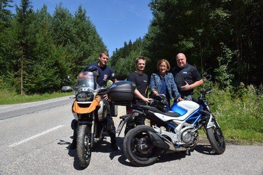 BikerSOS: App alarmiert Notruf bei Motorradunfall - BILD
