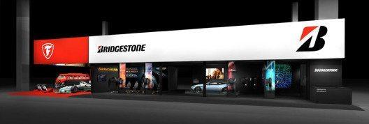 Auf der Mondial de L'Automobile in Paris präsentiert sich Reifenmarke Bridgestone gemeinsame mit Firestone. (Bild: © Bridgestone)