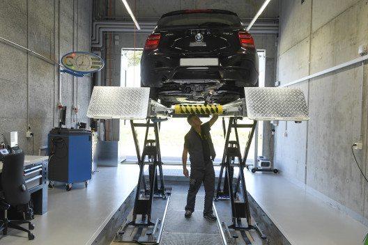 Fahrzeugkontrolle durch TCS-Experten