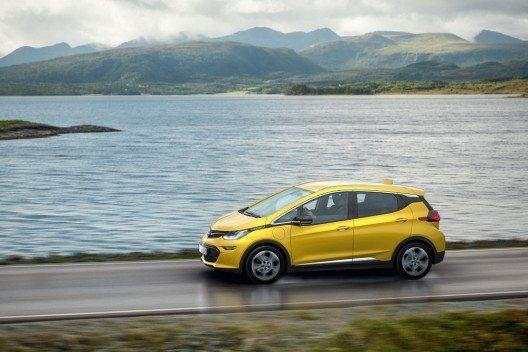 Reichweiten-Champion: Mit einer elektrischen Reichweite von über 500 Kilometern fährt der Opel Ampera-e der Konkurrenz davon.