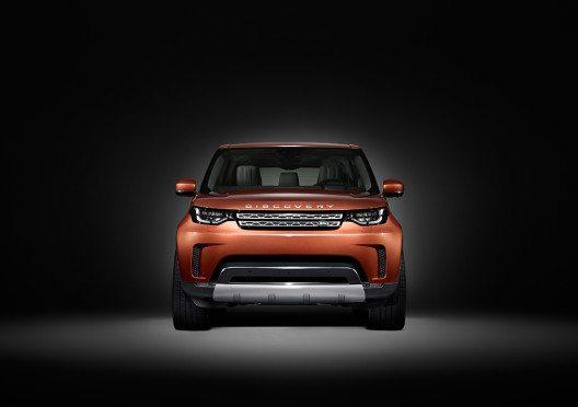 Neuer Land Rover Discovery vor Tower Bridge aus Legosteinen vorgestellt. (Bild: © Landrover)