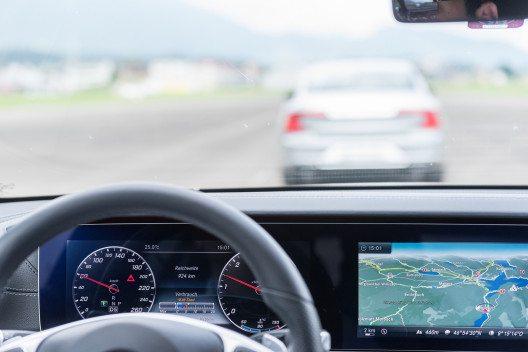 Systeme zum teil-automatisierten Fahren sollen den Komfort noch weiter erhöhen.