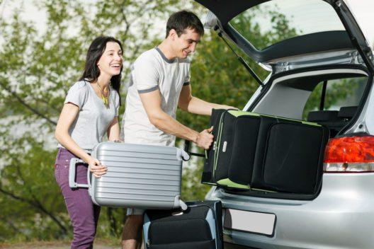 Kein Ärger auf Reisen mit den passenden Koffern (Bild: paffy - shutterstock.com)