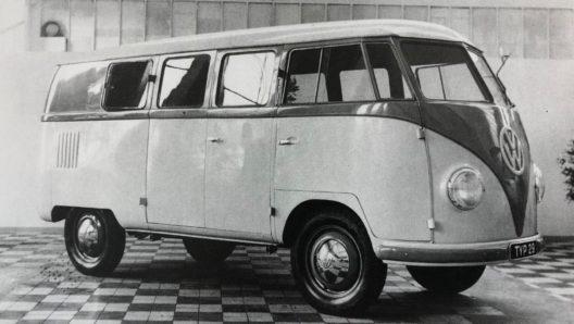 """1950: Der legendäre T1 VW Transporter """"Bulli"""" kommt in die Schweiz."""