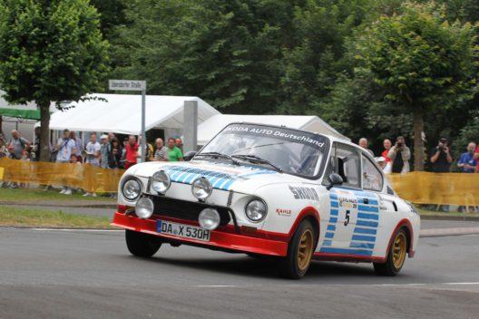 Der siebenfache deutsche Rallye-Champion Matthias Kahle übernimmt bei der Sachsen Classic die ungewohnte Rolle als Beifahrer seines langjährigen Copiloten Peter Göbel im ŠKODA 130 RS.