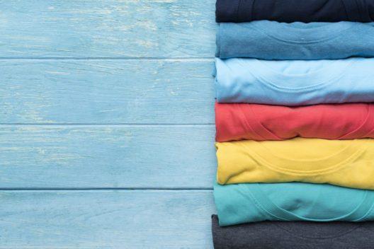 Mit Plottfolien werden Textilien zu echten Hinguckern. (Bild: Chutima Chaochaiya - shutterstock.com)