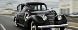 """Der imposante SKODA SUPERB 3000 OHV von 1939 bringt auf einer Karosserielänge von 5,2 Metern bis zu drei Sitzreihen unter. Eine Scheibe trennte Fahrer- und Beifahrersitz vom restlichen Innenraum. Weiterer Text über ots und www.presseportal.de/nr/28249 / Die Verwendung dieses Bildes ist für redaktionelle Zwecke honorarfrei. Veröffentlichung bitte unter Quellenangabe: """"obs/Skoda Auto Deutschland GmbH"""""""