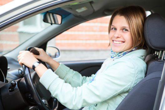 Mit einer guten Kfz-Versicherung Probleme vermeiden (Bild: Kekyalyaynen - shutterstock.com)