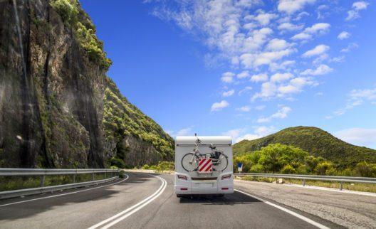 Reise für Ferien Caravan Trip-Straße Wende, Frühjahr